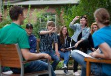 Einblicke in den Schulalltag erhalten Interessenten beim Tag der offenen Tür im Berufskolleg Kaiserswerther Diakonie. (Foto: Frank Elschner)